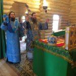 В праздник Успения Пресвятой Богородицы епископ Савватий совершил божественную литургию в храме Святой Троицы пос. Заветы Ильича