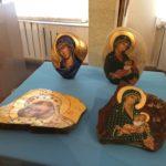 Епископ Савватий посетил выставку, приуроченную к 15-летию Свято-Петропавловского женского монастыря