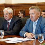 В Хабаровске состоялась встреча главы Приамурской митрополии и епископа Ванинского Савватия с губернатором Хабаровского края