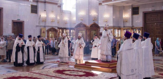 Всенощное бдение в Спасо-Преображенском кафедральном соборе г. Хабаровска