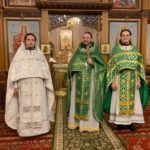 В ХРАМЕ СВЯТЫХ АПОСТОЛОВ ПЕТРА И ПАВЛА Г. СОВЕТСКАЯ ГАВАНЬ  СОВЕРШЕНО НОЧНОЕ БОГОСЛУЖЕНИЕ